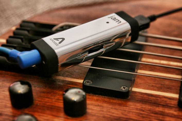 Test: Apogee Jam 96K – Unterwegs Gitarre mit dem iGerät üben und aufnehmen